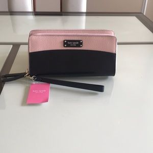 Kate space Large Carryall Wristlet